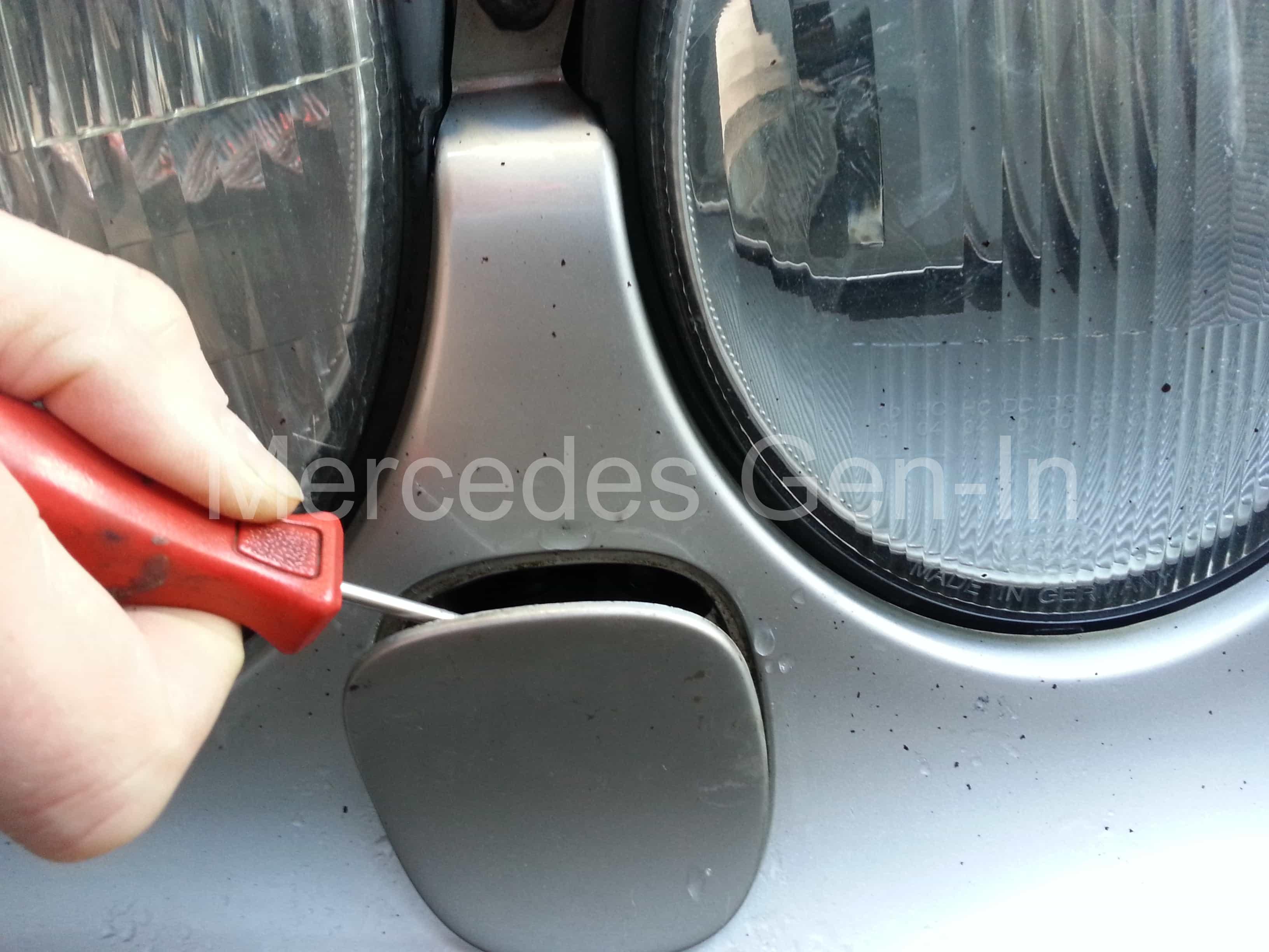 Mercedes Leaking Headlamp Washer Jet Repair