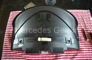 Mercedes C200 console removed