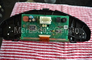 Instrument cluster control PCB