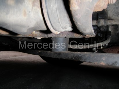 Mercedes SL (R129) Rubber bobbin bushes 2