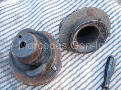 Mercedes SL R129 Front Suspension mount 1