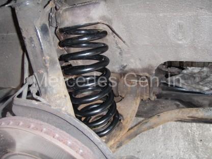 Mercedes SL R129 Front spring swap 6