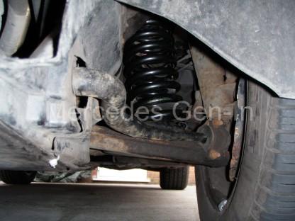 Mercedes SL R129 Front spring swap 7