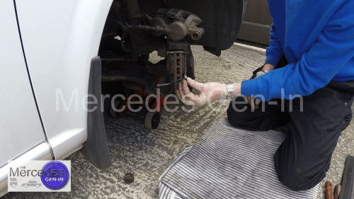 Mercedes Vito W639 Brake Pad sensor Replacement 1