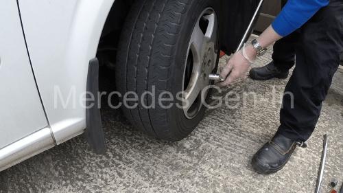 Mercedes Vito W639 Brake Pad sensor Replacement 2