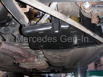 Mercedes SL (R129) Fuel Pump Leak 6