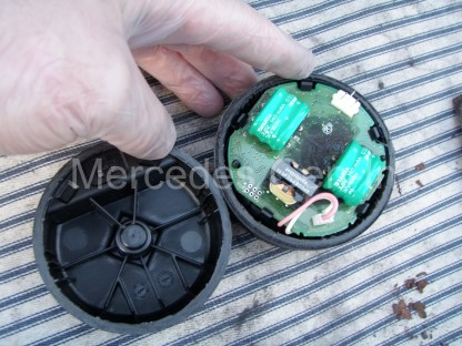 Mercedes C Class Siren Sounder Battery Replacement 5