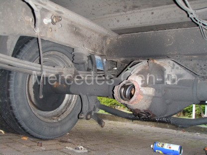 Ford Transit Twin Wheel Rear Axle Replacement - 3