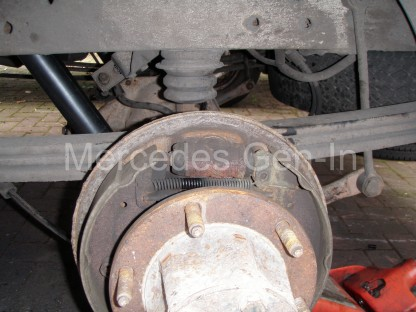 Ford Transit Twin Wheel Rear Axle Replacement - 10