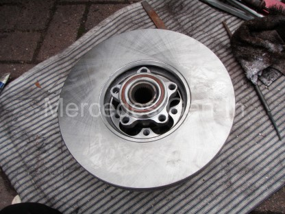 Ford Transit front Wheel Bearing Replacement 7