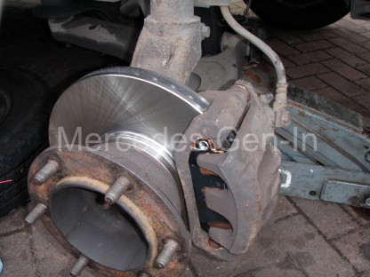 Ford Transit front Wheel Bearing Replacement 8
