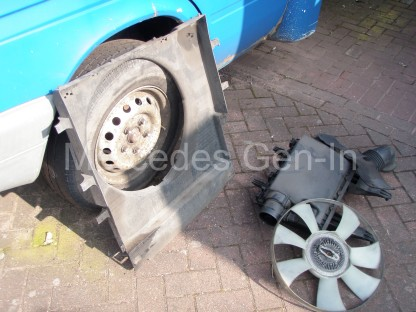 Volkswagen VW Crafter CR35 Crank Shaft Pulley Replacement 2