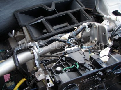 Mitsubishi L200 Heater Matrix replacement 20