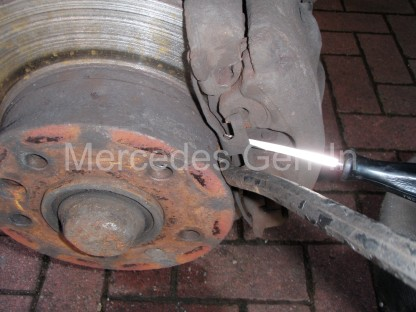 Mercedes Sprinter Front Brake Pad Replacement 6