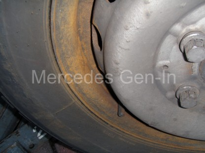 Mercedes Sprinter Front Brake Pad Replacement 1