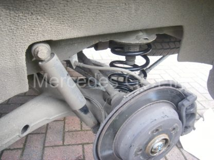 Mercedes Vito W639 Rear Spring Replacement 8