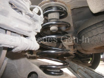 Mercedes Vito W639 Rear Spring Replacement 5